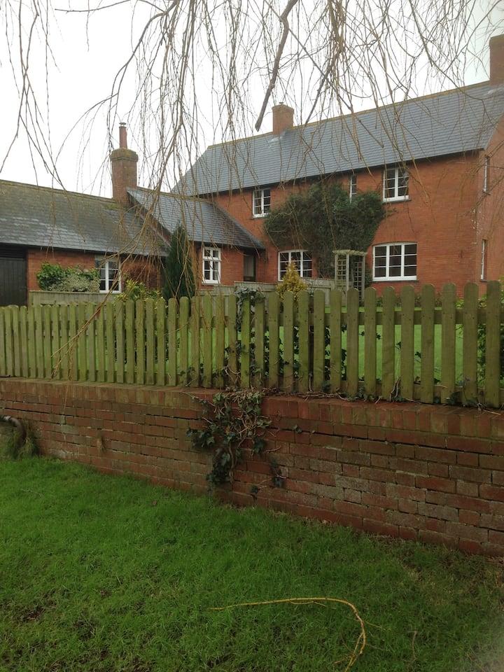 Martinsfield Farm Cottage