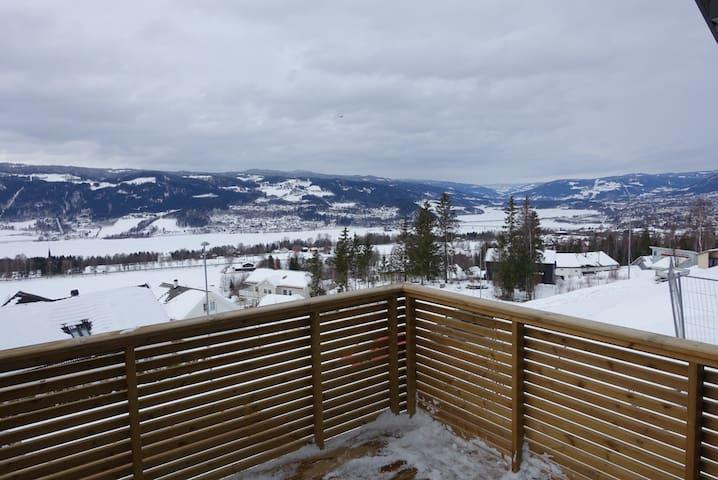 Enebolig med fantastisk utsikt - Lillehammer