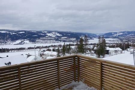 Enebolig med fantastisk utsikt - Lillehammer - Hus