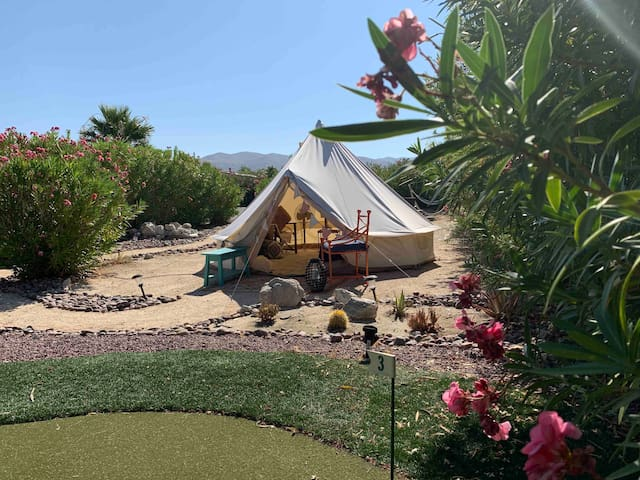 Romantic Glamping near Palm Springs & Joshua Tree