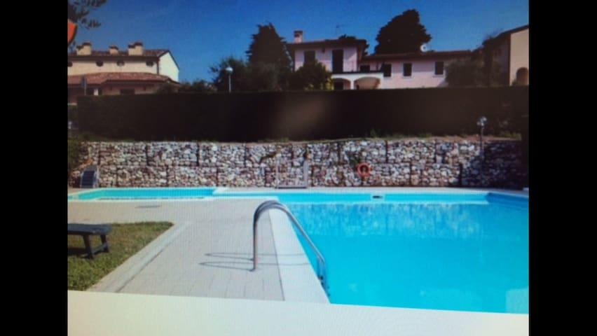 Appartamento prestigioso con grande piscina - Cavaion Veronese - Apartment
