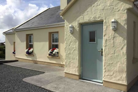 Private Spacious Ensuite Double room in Doolin