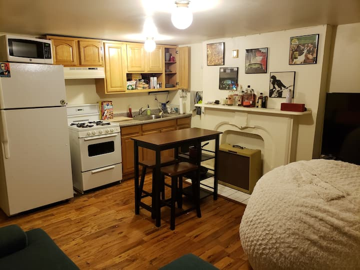 Cozy 1 bedroom in Clinton Hill with a backyard!