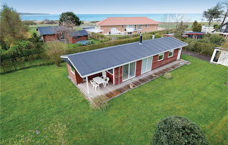 Holiday cottage with 3 bedrooms on 84 m² in Odder
