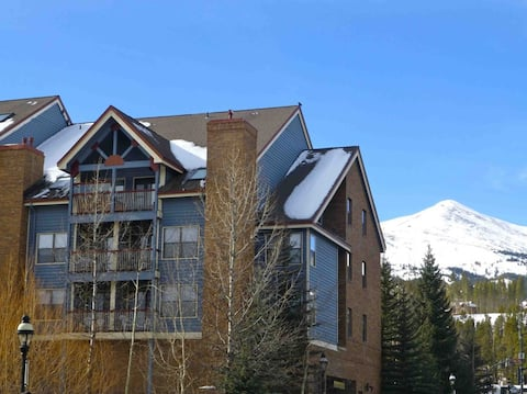 River Mountain Lodge in Breckenridge, in the heart of it all