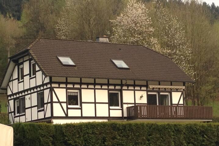 Ländlich, rustikal in der Nähe von Köln wohnen
