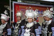 女主人是滚正侗族大歌队的主力之一。