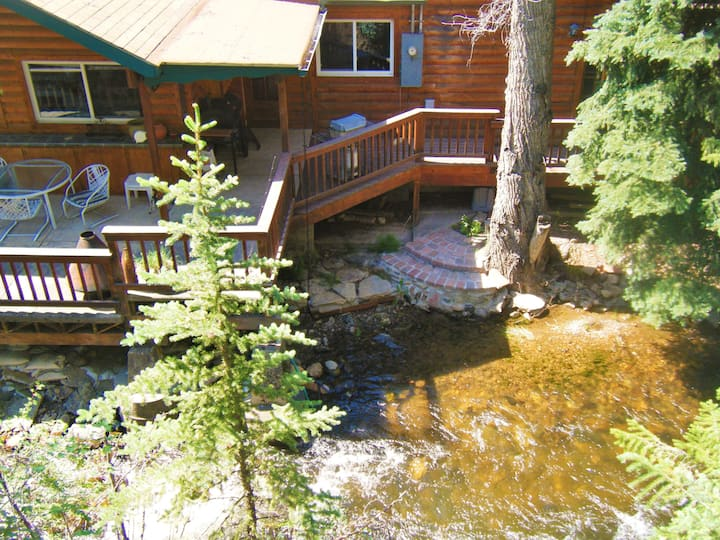 Streamside Dream with Creekside Hot tub