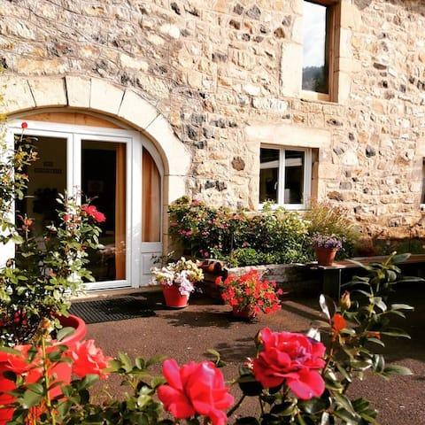 Le Puy Mary : Grand studio avec terrasse
