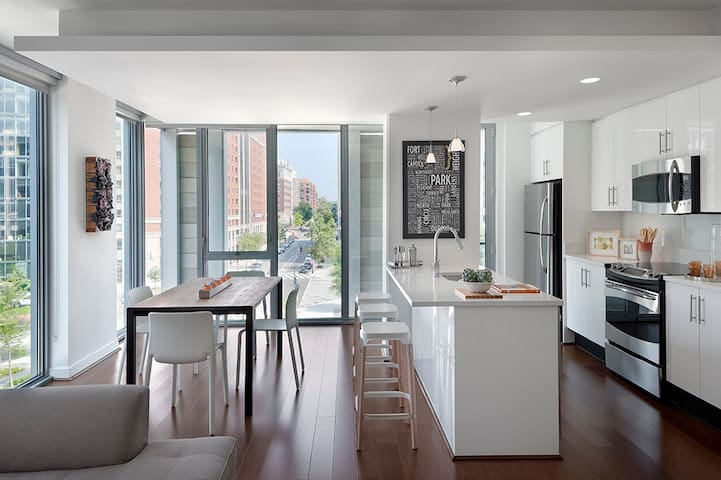 Grand 2BR Penthouse Suite in CityCenterDC
