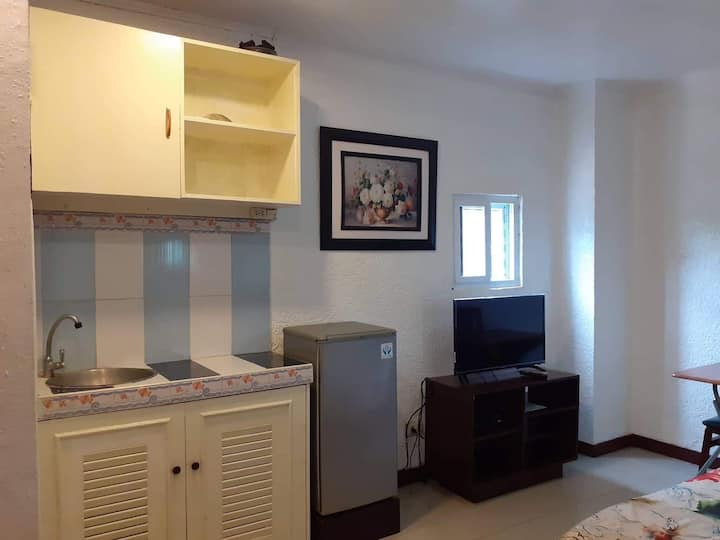 CLEAN COMFY STUDIO ROOM NEAR CEBU BUSINESS PARK