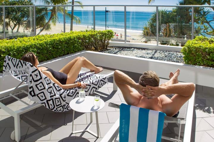 Noosa Beachfront Spa Studio