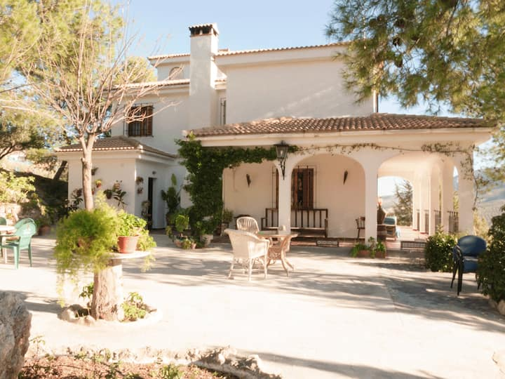 Villa with 5 bedrooms in La Guardia de Jaén, with wonderful mountain view, private pool, enclosed garden
