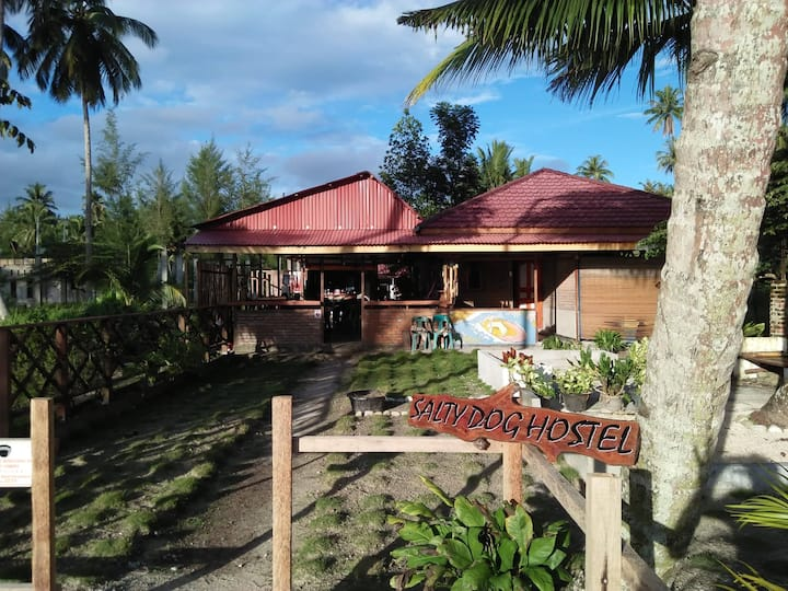 Salty Dog Hostel Nias