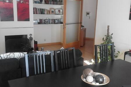 Apartamento T1+1, totalmente equipado - Pedrouços