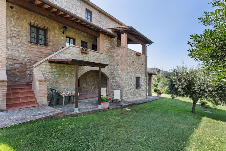 Attractive Holiday Home in Volterra with Swimming Pool