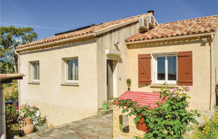 Holiday cottage with 2 bedrooms on 110m² in Ghisonaccia