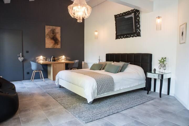 LES 2 ANGES  Suite & Spa en Provence