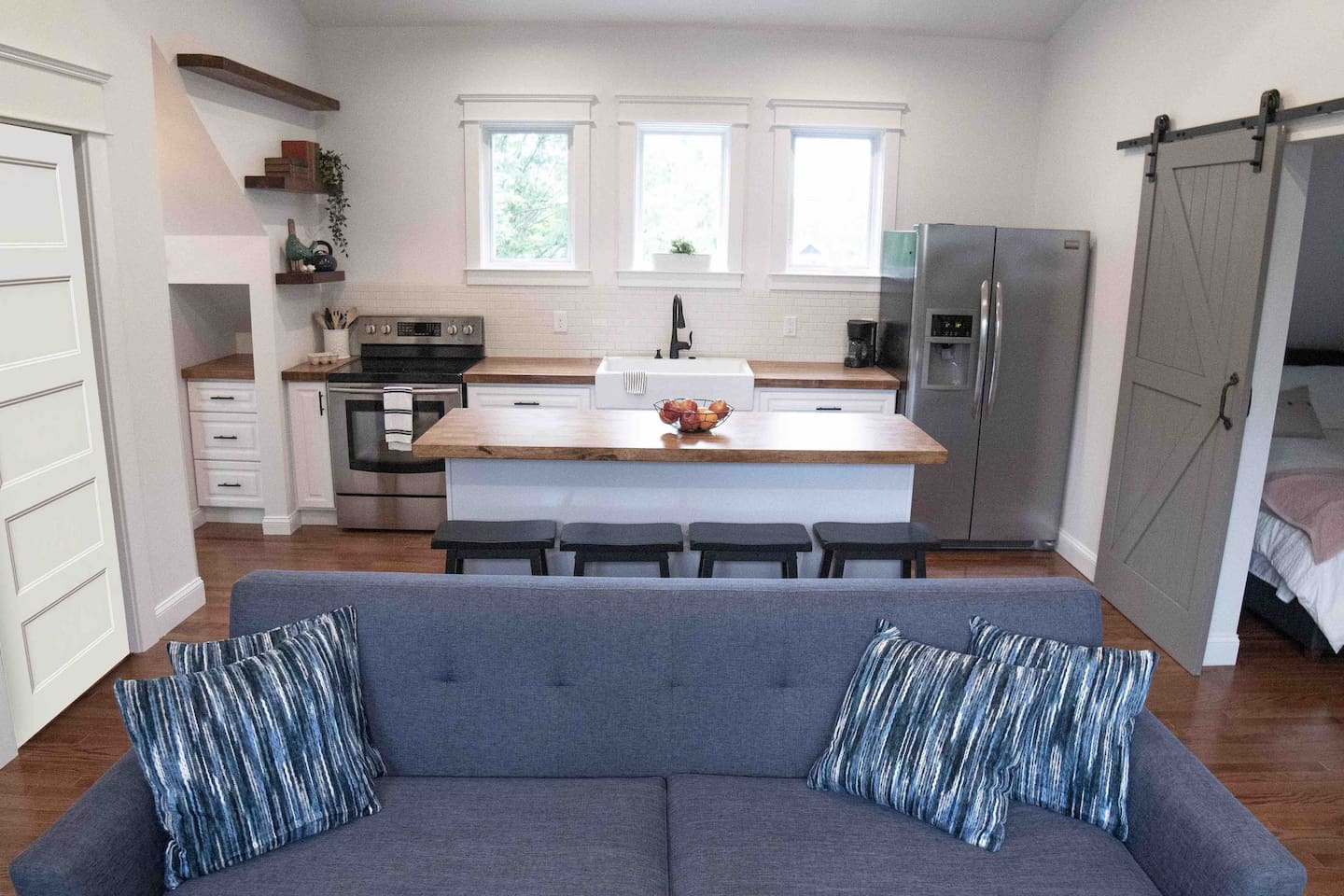 Welcome to our 1 bedroom carriage house!