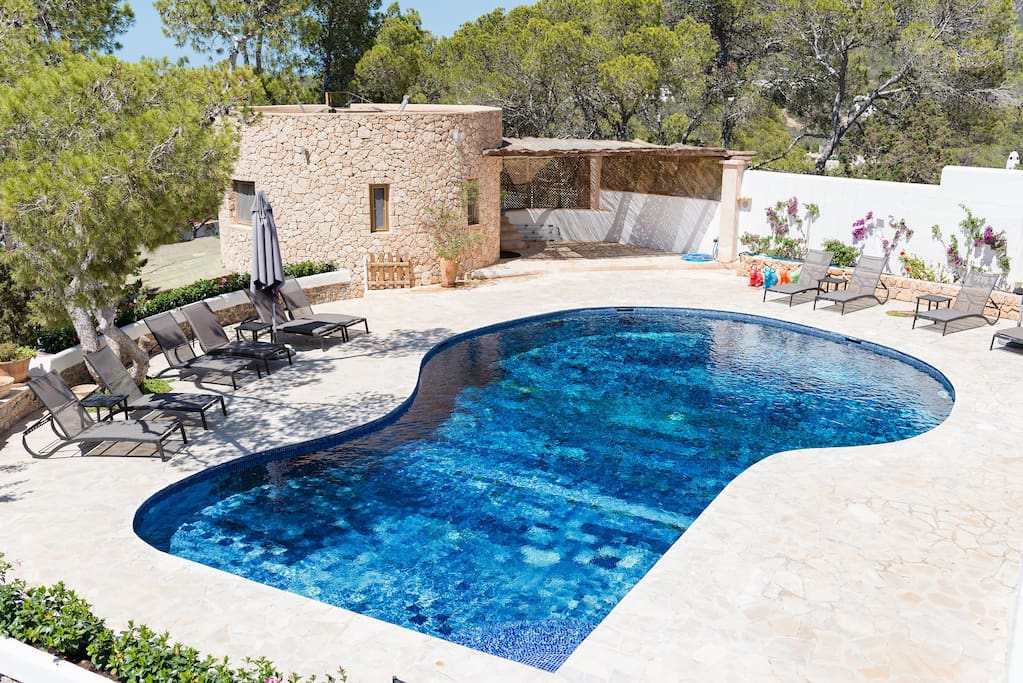Stunning pool with plenty of sun loungers