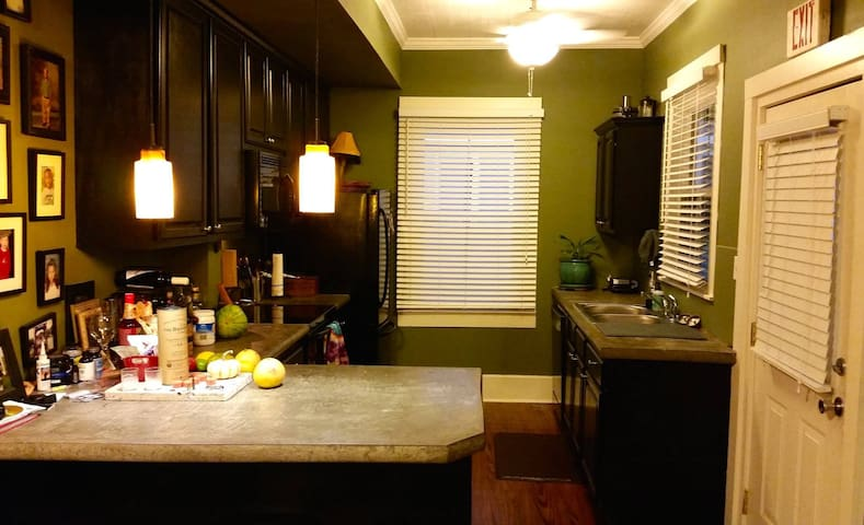 Downtown Houma: Central location & comfortable - Houma