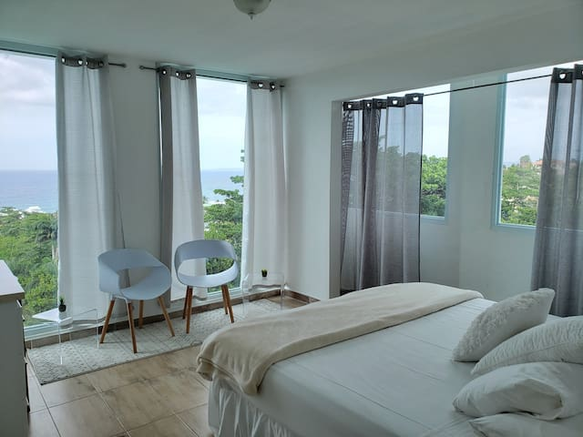 """The Cloud"" Serene Ocean View King bed Suite."