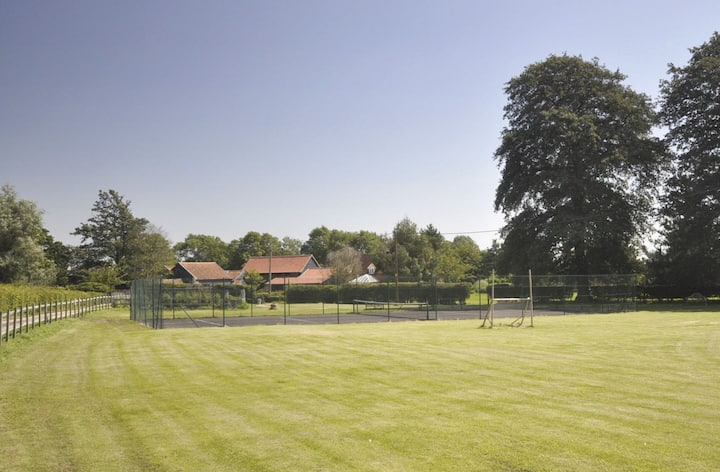 Houses and Grounds of Partridge Lodge
