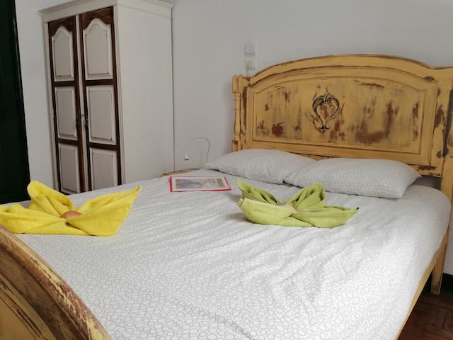 Double Room & Garden Faro city centre
