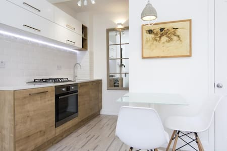Cosy room in modern Shoreditch flat - London - Apartment