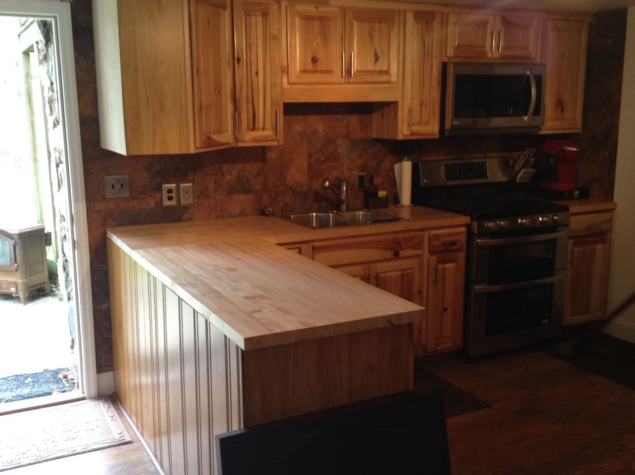 Enjoy the newly renovated kitchen and all the new appliances