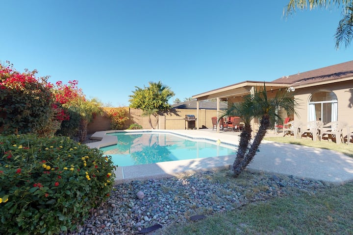 Large family home w/private pool, furnished covered patio