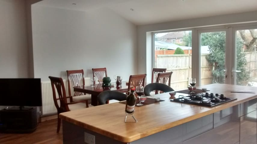 Walk to Open Golf Royal Birkdale Southport 2 beds - Southport - Bed & Breakfast