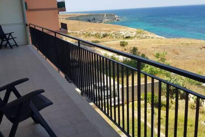 Apartment 50m clear sea view.   RMG_1N