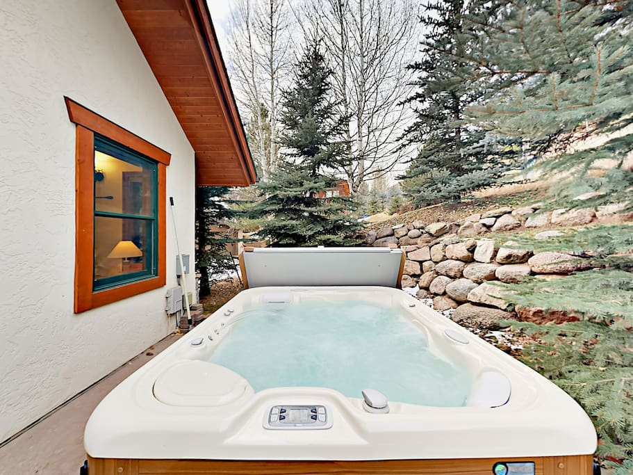 After a day on the slopes or trails, soak in the private hot tub as the stars come out.