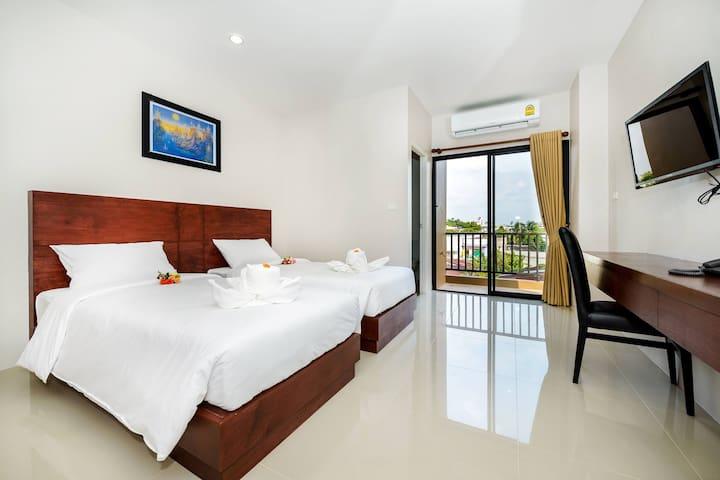 The Topaz Residence Room 4
