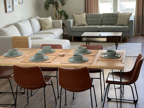 Family Perfect   Cheerful 4 Bedroom Residential