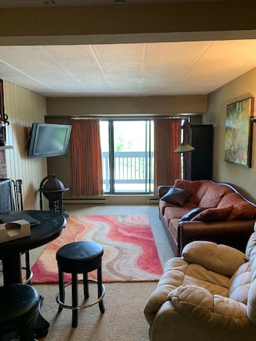 Cozy condo right at Killington Mountain!