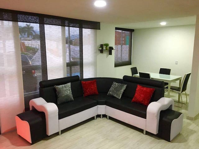 Apartamento Amoblado en el Eje Cafetero Pereira - Dosquebradas - アパート