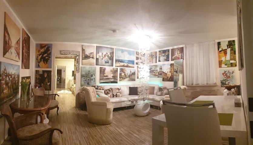 Ganzes Wohnung mit direkter Schlossblick