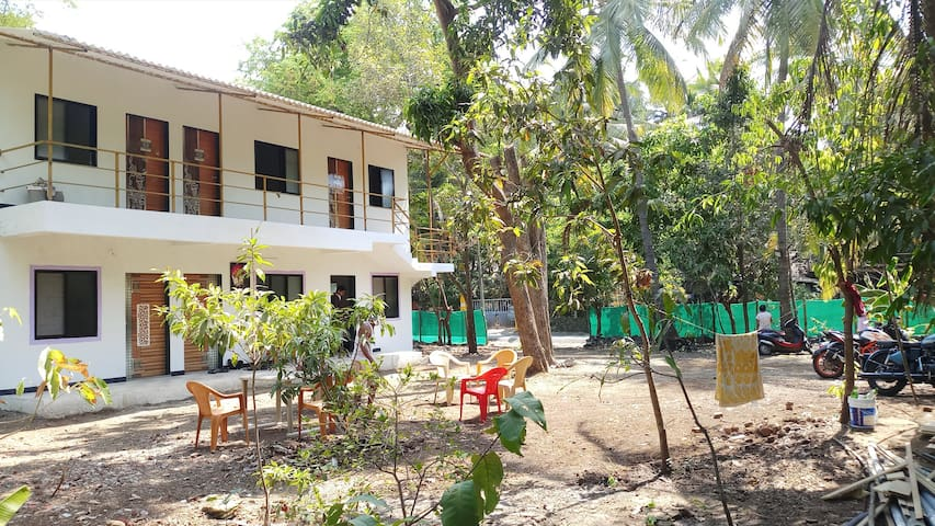 Its complete family holiday home.