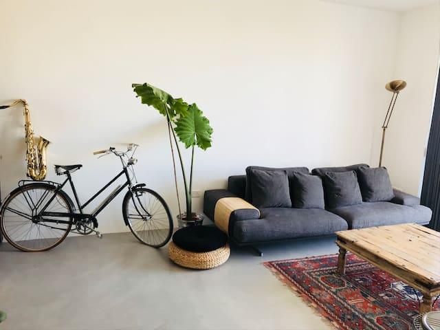 Exclusive Modern Apartment / City Center