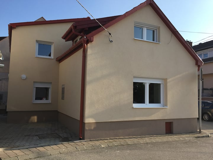 Fejesvölgy utcai Apartman, Veszprém