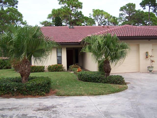 3655 White Pine Ct, Sarasota, FL 34238 - Sarasota - Villa