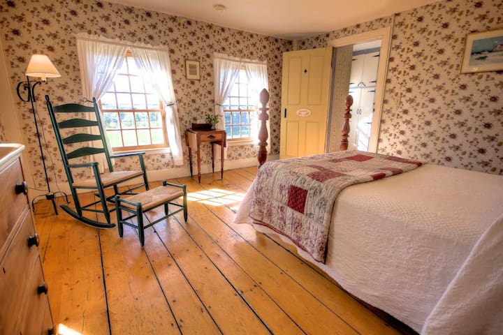 Romance - Blueberry Hill Inn