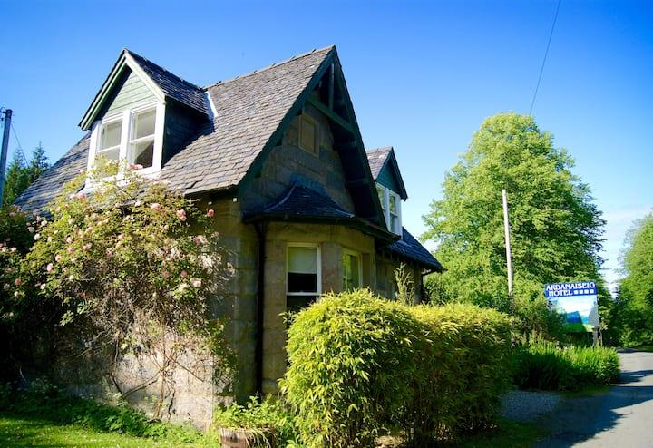 Ardanaiseig - Rose Cottage