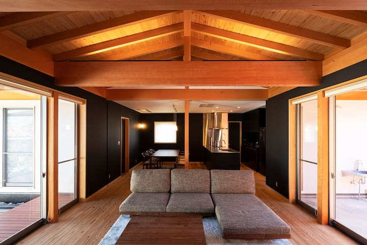JAPAN modern pine tree house with hot spring.