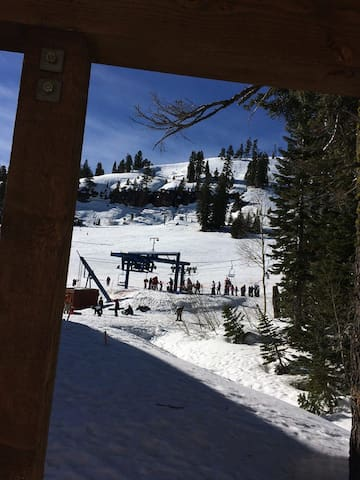 Ski In/Out Donner Ski Ranch, Sugar Bowl 2 minutes!
