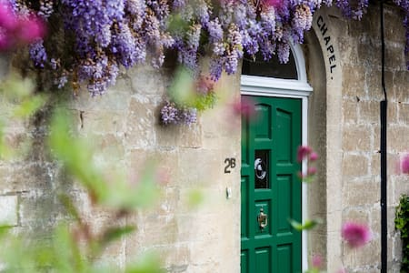 A charming Grade II listed former chapel - Bradford-on-Avon - Casa