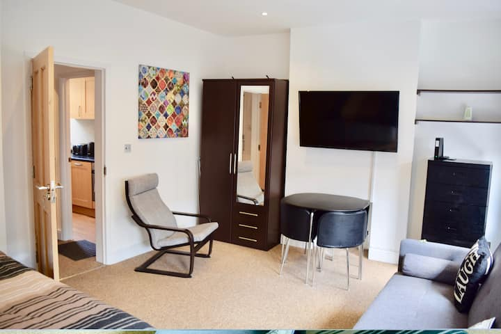 Gorgeous Apartment in Trendy London Location (DH7)
