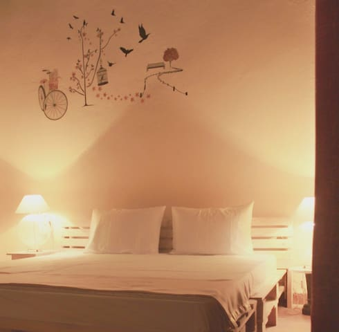 Room2- Beautiful Interior comfortable double bed